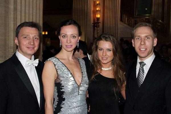 Oleg Vassiliev, Aleksandra Efimova, Irina Ivanova, Robert Johnson (Senator Kirk's Office)