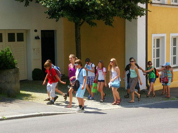 Школы, как и вся прочая инфраструктура страны, приходят в упадок... (Фото: «Nautilus»)