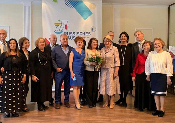 Члены мюнхенского MIRa и берлинского Российского дома науки и культуры. Фото на память.